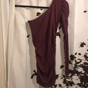 One shoulder fitted long sleeve Maroon top